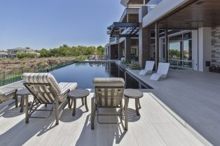 Las Vegas Residence Neolith Outdoor Pool Deck Flooring
